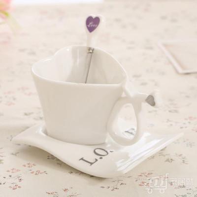 心形陶瓷咖啡杯子 经典欧式情侣马克杯 七夕情人节礼品杯 手柄桃心