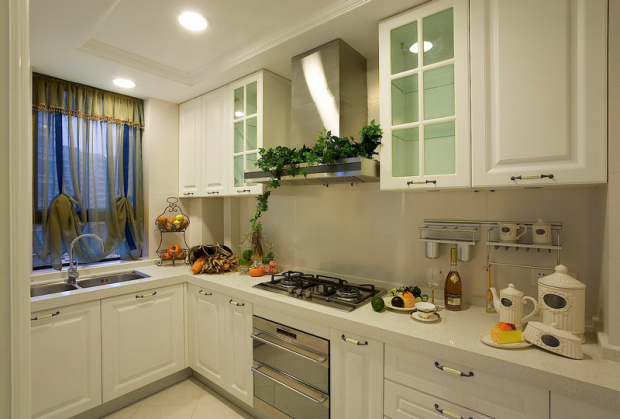 從櫥柜上油漆    我們愛我們的廚房(廚房裝修效果圖)