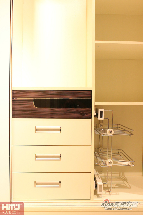 烤漆衣柜-1