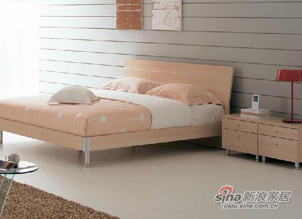 红苹果简约现代卧室