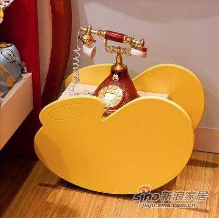 迪士尼儿童彩色家具-顽皮米奇床头柜-0