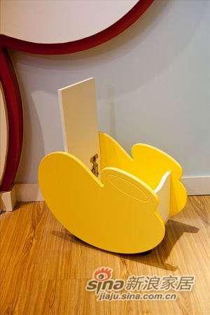 迪士尼儿童彩色家具-顽皮米奇床头柜-2