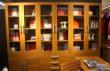典雅静谧的书房环境 大容量玻璃门藏书柜