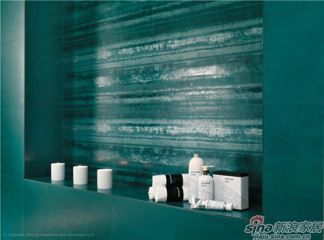 设计师对瓷砖颜色的敏感度,准确地把握了市场的流行颜色,经数据化的管理系统高温烧结而成的彩砖,精确研制出色彩的亮度和纯度,这是任何一个工厂都无法比拟的色彩烧结工艺。彩金的完美展现正是印证了意大利ATLAS CONCORDE瓷砖工厂拥有世界一流的色彩上釉技术,