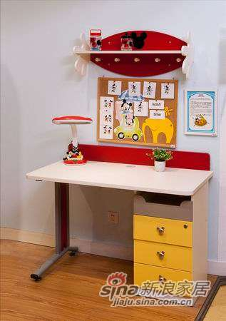 迪士尼儿童彩色家具-顽皮米奇书桌-2