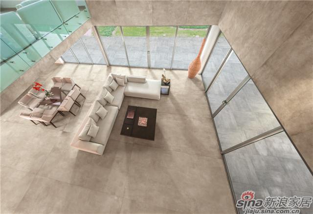 此款瓷砖采用1.2×2.4m、1.6*3.2m的大规格尺寸,灰色的表面纹路不那么鲜明,这就要求产品通透感更强,这款大尺寸的大理石瓷砖不仅解决了质感,更是在视觉上延伸了空间感。