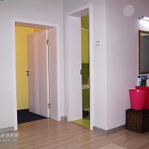 看过去呢,黄色房间是更衣室,绿色是卫生间