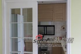 厨房的门是木工做的