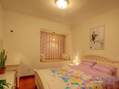 这是我们的房间。主卧室当当当登场!很简单!