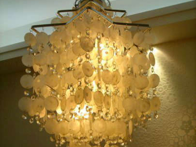 下面是餐桌上面的贝壳灯,当时看灯马上就喜欢上了