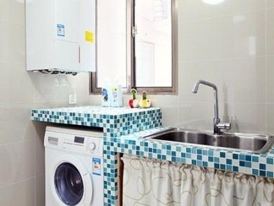 这个是洗衣台的样子,马赛克的台面,比较的抢眼