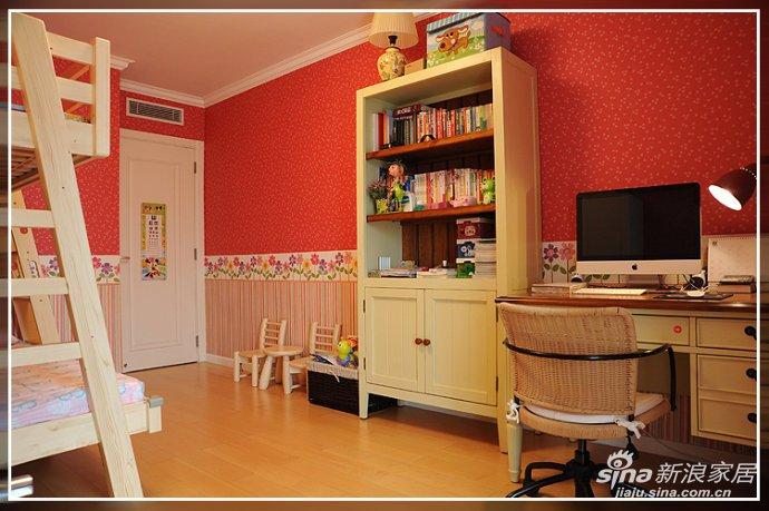 儿童房是整个家中的亮点,天真活泼,舒适怡然。