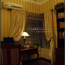 可以品一杯咖啡听听音乐;或者伴着清茶的热气缭绕静想、上网......在白昼与黑夜里或沉睡或清醒,家的思想者--------书房