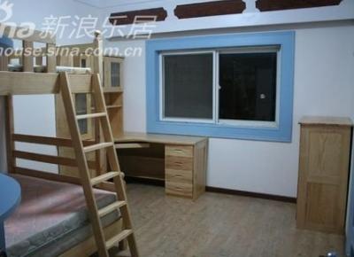 次卧的格局,全套原木家具,环保无污染