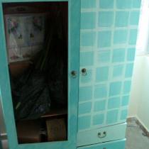 自己刷的衣柜,窗帘和玻璃都还没有装