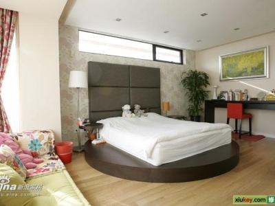 卧室 也有点混搭哈,喜欢啥啥就放啥啥上去,我的地盘我做主