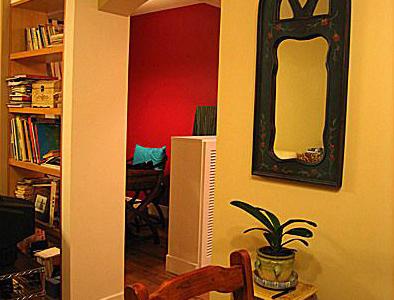 往书房看过去,墙打通了,加上最喜欢的蓝色镜子