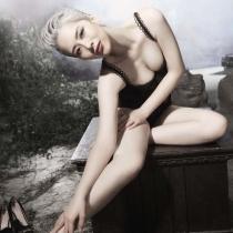 海清《男人装》变白发妖女 彰显女王气质