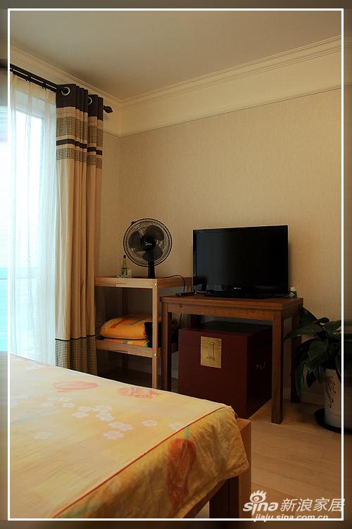 这是主卧室创造出一种古朴的质感,展现原始粗犷的美式风格。