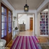 谁都想空间更大化,通过线条可以做到,针对于宽敞的双门型玄关,可以大胆搭配,横向北方的横向线条大地毯