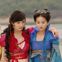 同为85后的北京女孩杨幂和刘诗诗因为拍摄《仙剑3》便相识成闺蜜