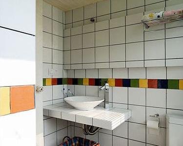 二楼的公共卫生间