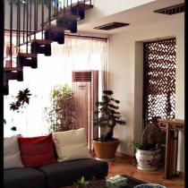 楼梯,是艺极的瑙克帕斯(还定了款到阁楼的电动遥控伸拉梯)