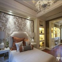 美式家居的卧室布置较为温馨,作为主人的私密空间,主要以功能性和实 用舒适为考虑的重点