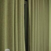 窗帘,颜色都很素