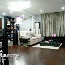 紫色的现代纱灯垂下来,为现代的空间增加了几分柔媚