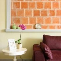 白色边桌搭配紫色沙发,时尚简约