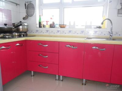 厨房虽小,功能俱全