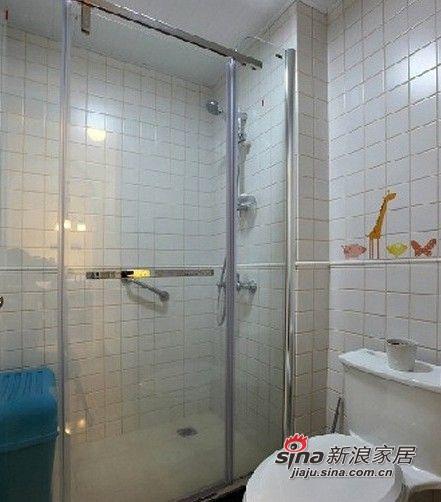 这里的淋浴区,这里的空间不大