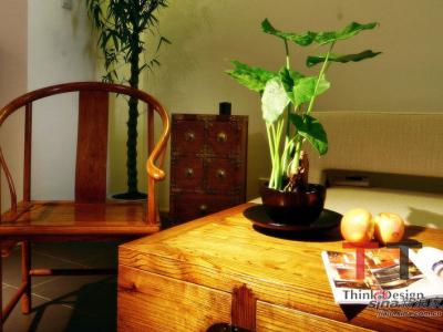 古典风格的家具透出浓厚的东方韵味