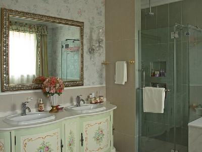 【实景装修案例】400平别墅精致舒适与品质的完美演绎-英式乡村-一楼主卫实景图