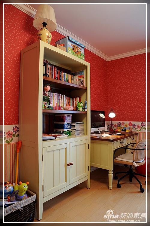 美式的家具,儿童房一角。
