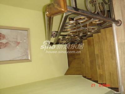 铁艺实木楼梯