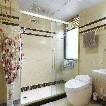 宽敞的卫生间设计,大大的淋浴房,简直就是一种享受啊!