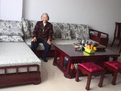 沙发先上,在座是俺妈