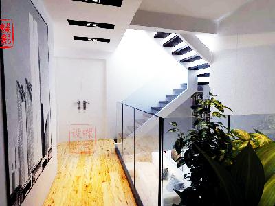 北欧简约大宅设计——二层走廊楼梯