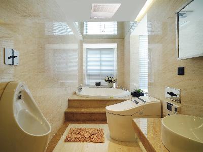 小小的卫浴间,生活上却集洗漱,如厕,沐浴,收纳于一体。 大金卫浴用空调闪亮登场,一机多用——制冷、供暖、除湿、干衣、换气,为家庭带来意想不到的便利。