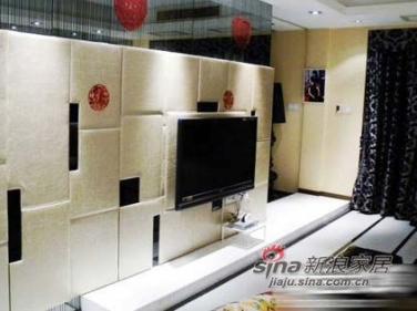 电视背景墙,也是隐形的,里面是鞋柜,外面做的软包哦~~~