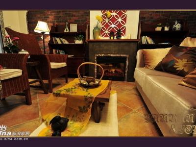 金色沙发 配蜜色藤椅,藤椅之间还缺一个茶几