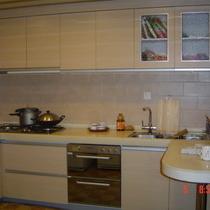 左边是厨房