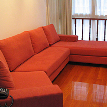 沙发,也是甬兴买的,挑了很久,为了配偶家的客厅布局