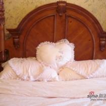 美克美家的维多利亚高柱床