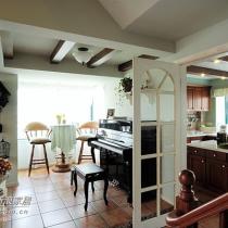 厨房与琴房的关系