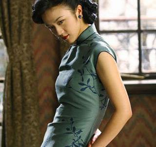 汤唯在电影《色戒》中的经典旗袍造型