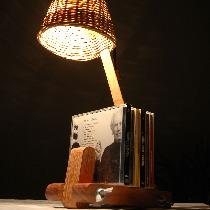 书房台灯,创意书房台灯,符合环保理念,散发着田园气息,在照明的同时添加了书架功能设计!【购买链接:http://www.nuandao.com/product/8994】
