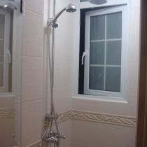 淋浴房~~呵呵,卫生间整个风格非常统一